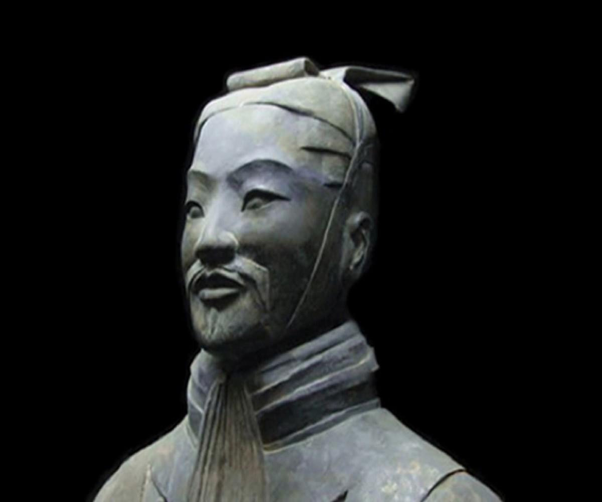 A bust of Sun Tzu