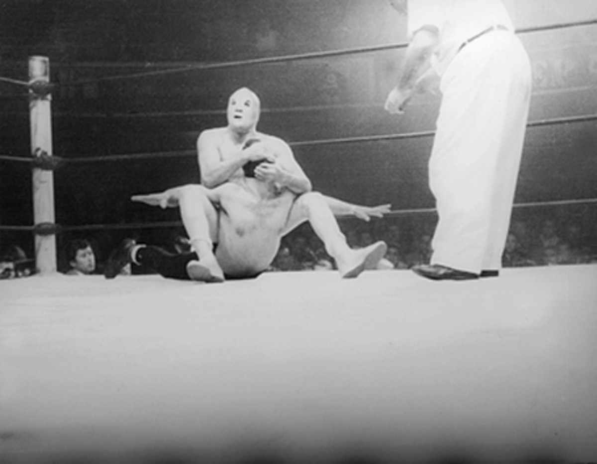 Potentially a shot from the El Santo-Black Shadow mask vs. mask match