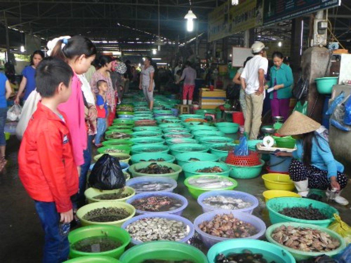 Hang Duong Market