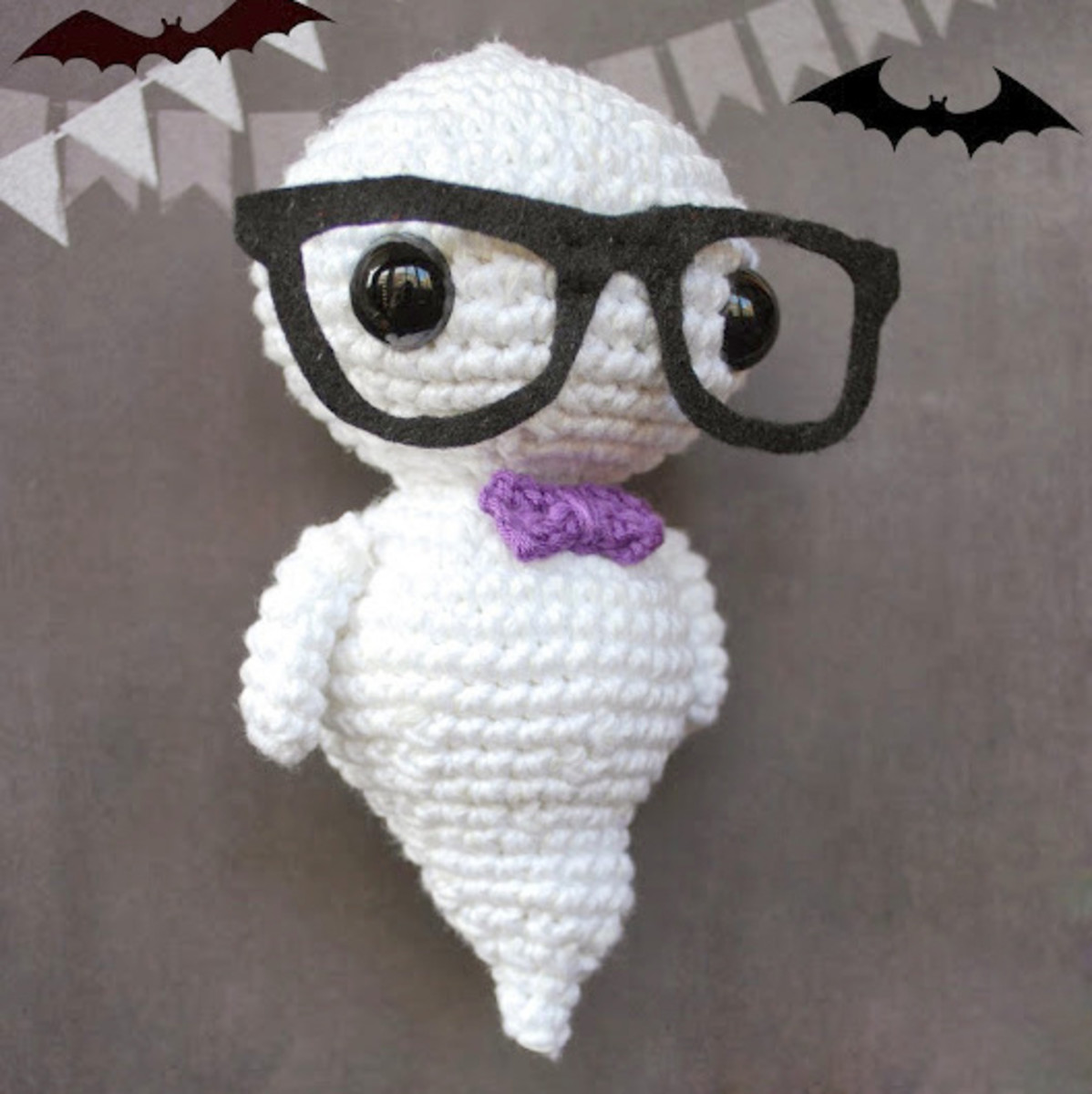 5 Little Monsters: Crocheted Ghost | 521x520