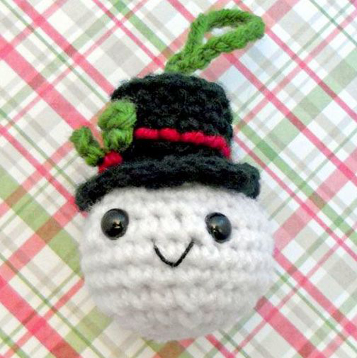 Free crochet pattern Christmas snowman ornament.