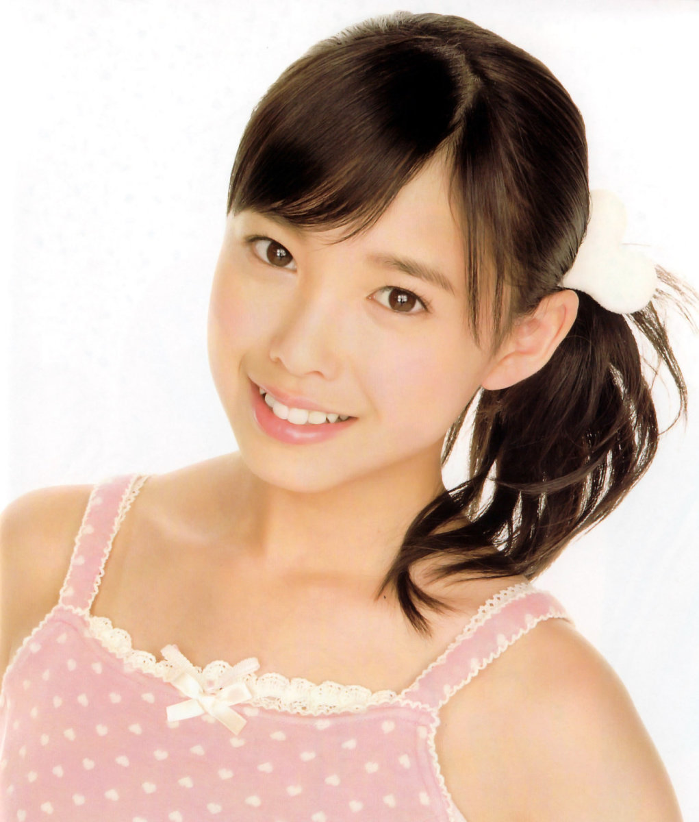 Idol singer Saki Nakajima is here at the age of 13. This photo was taken after the release of the group's 2007 single called Sakura Chirari.