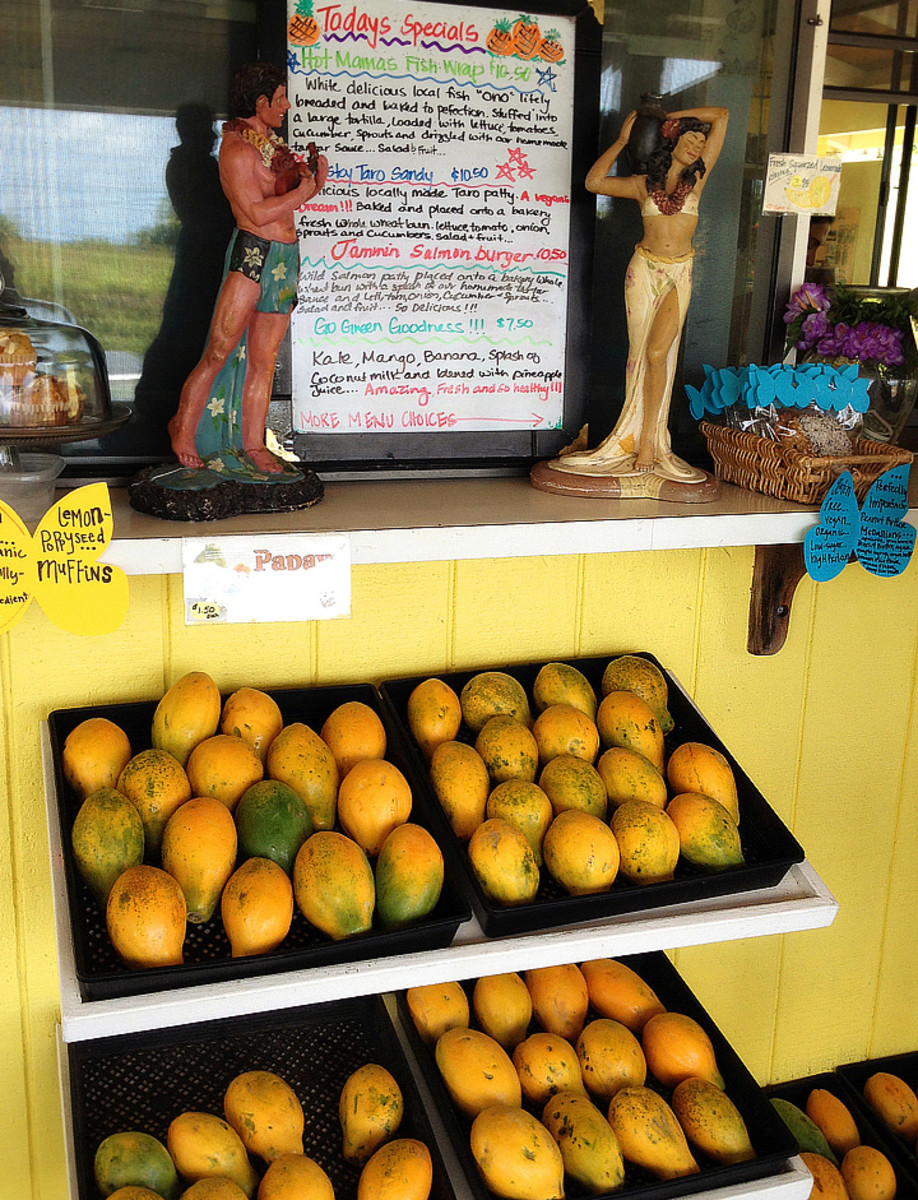 Fresh papayas at What's Shakin'