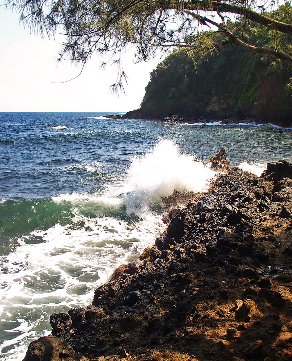 Crashing waves on Onomea Bay.