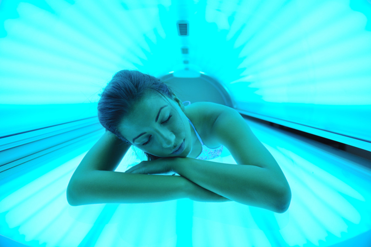 Tanning in a Tanning Bed 101: FAQ