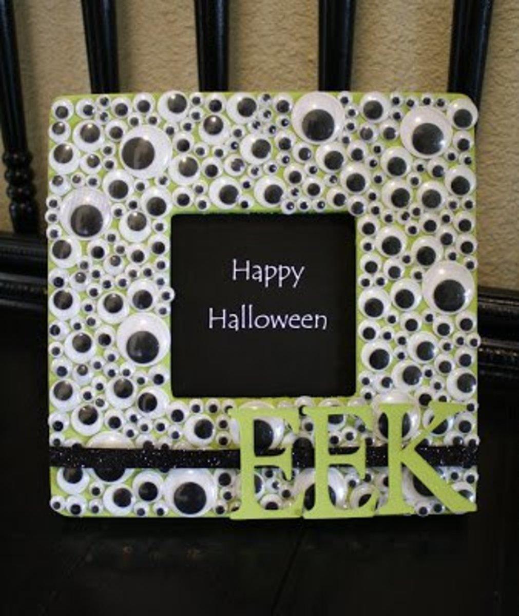 DIY Eyeball Halloween Crafts