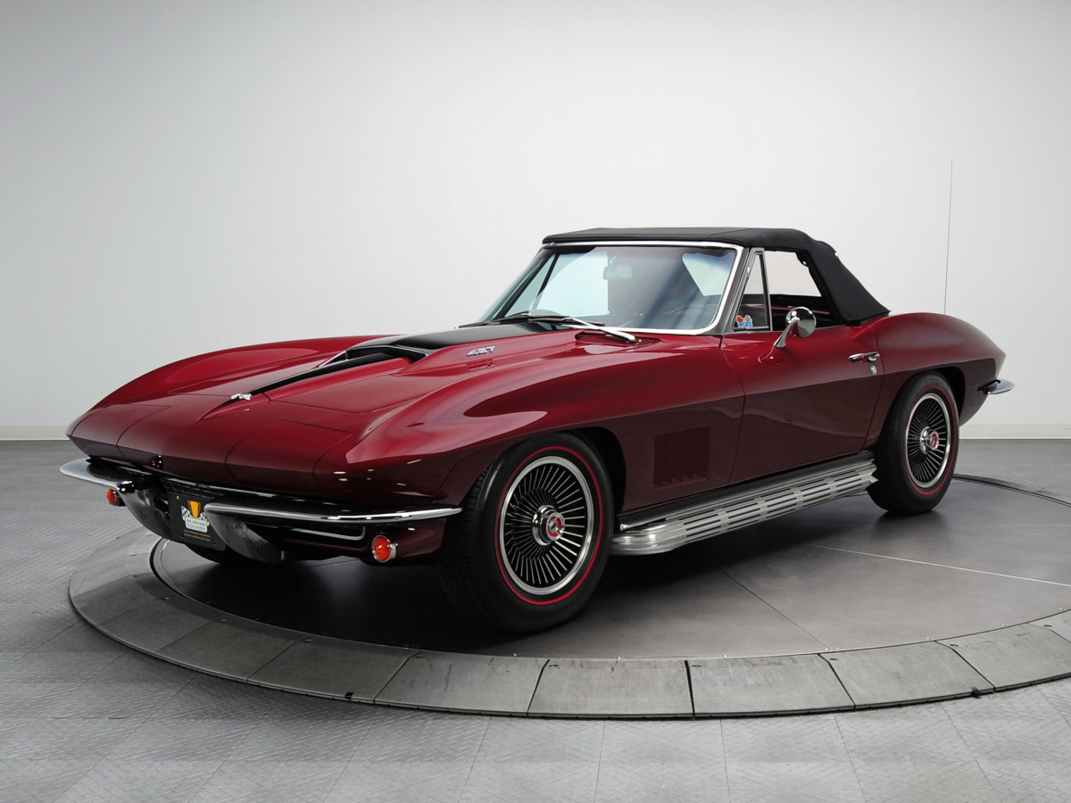 The 1967 Chevrolet Corvette 427 Stingray could blow through the quarter mile in 13.1 seconds hitting 110 miles per hour