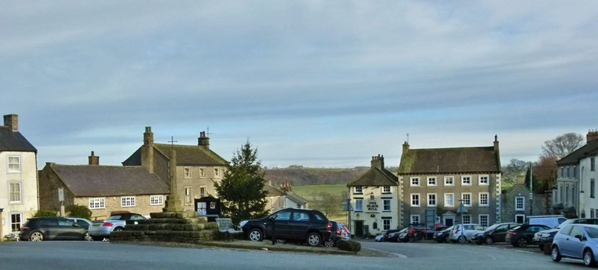TRAVEL NORTH - 50: MIDDLEHAM, CARLTON-IN-COVERDALE, KETTLEWELL, Drive Or Walk The Dale In A Day