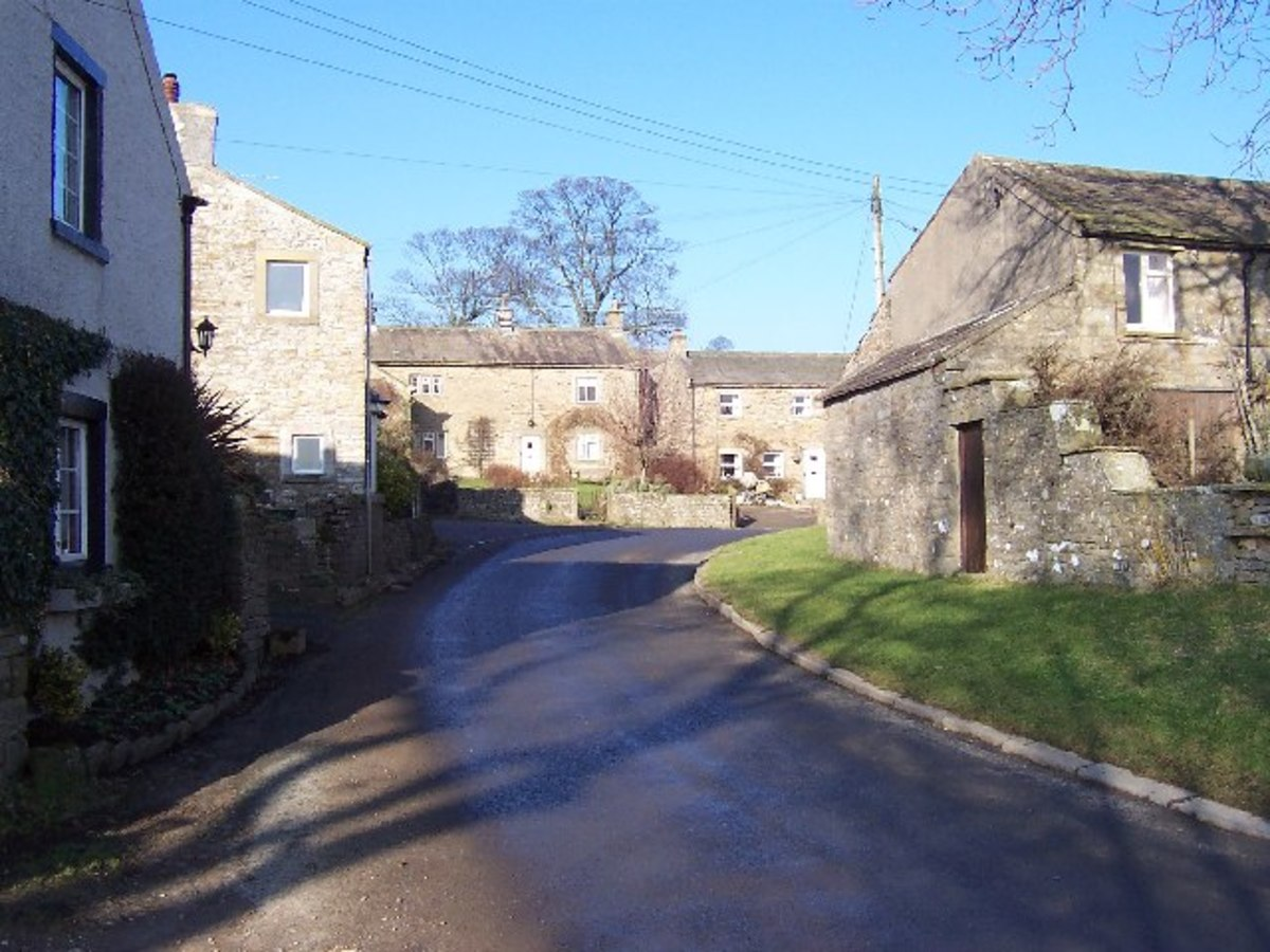 Carlton-in-Coverdale, one of many 'carltons' in Yorkshire, each with its own character. This one has, and it has two good watering holes to compete for your trade. In summertime it can get busy.