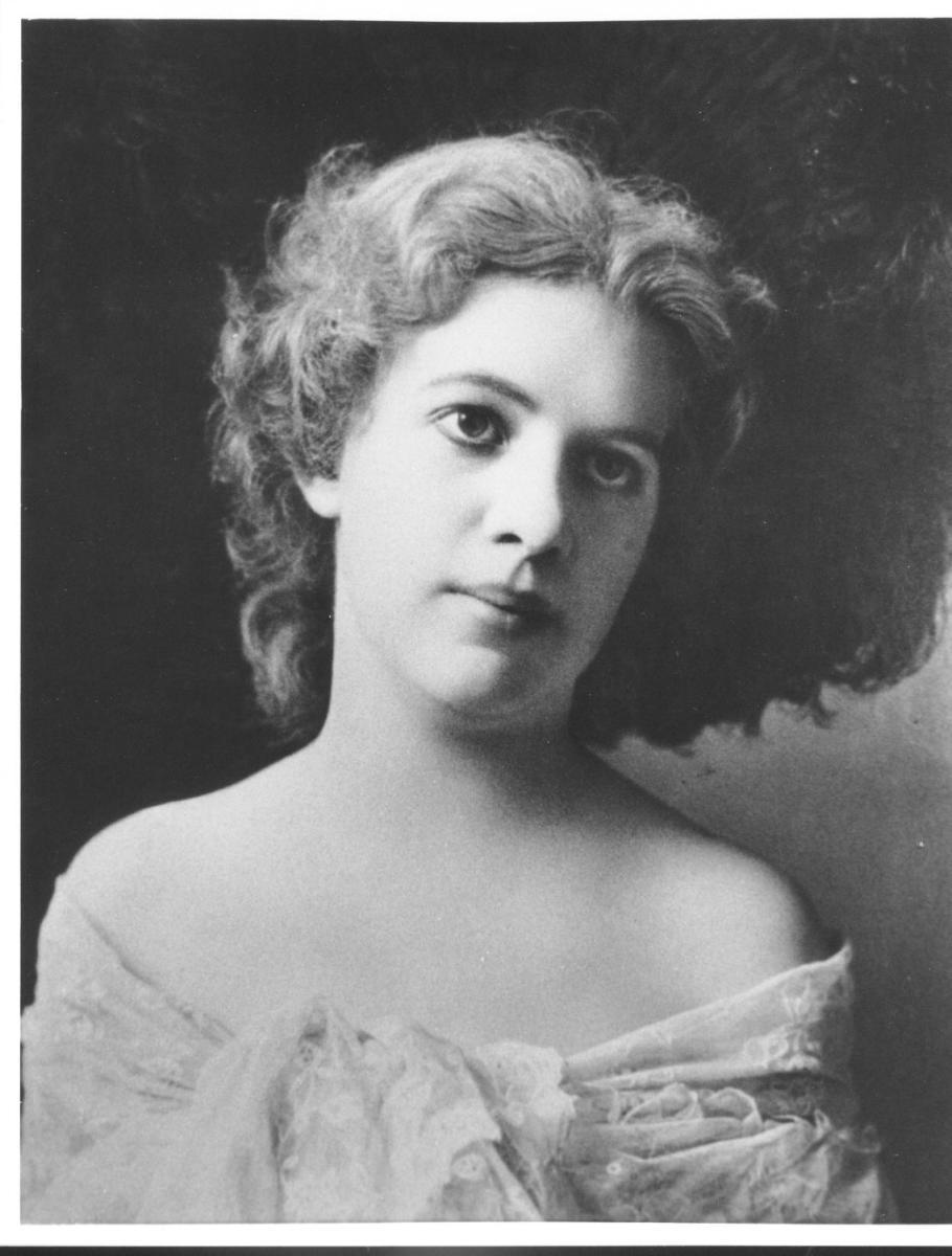 "Lillian Handlan, the ""Lavender Lady"""