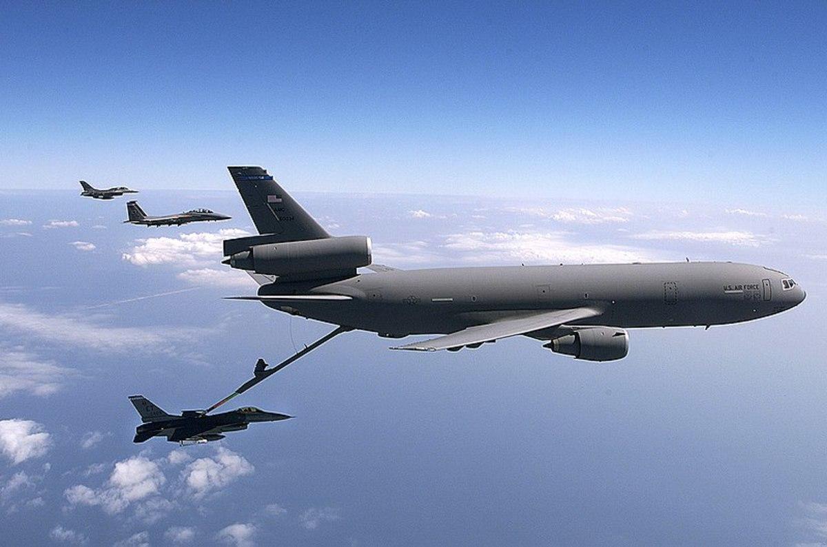 KC - 10 Refueling a Hornet