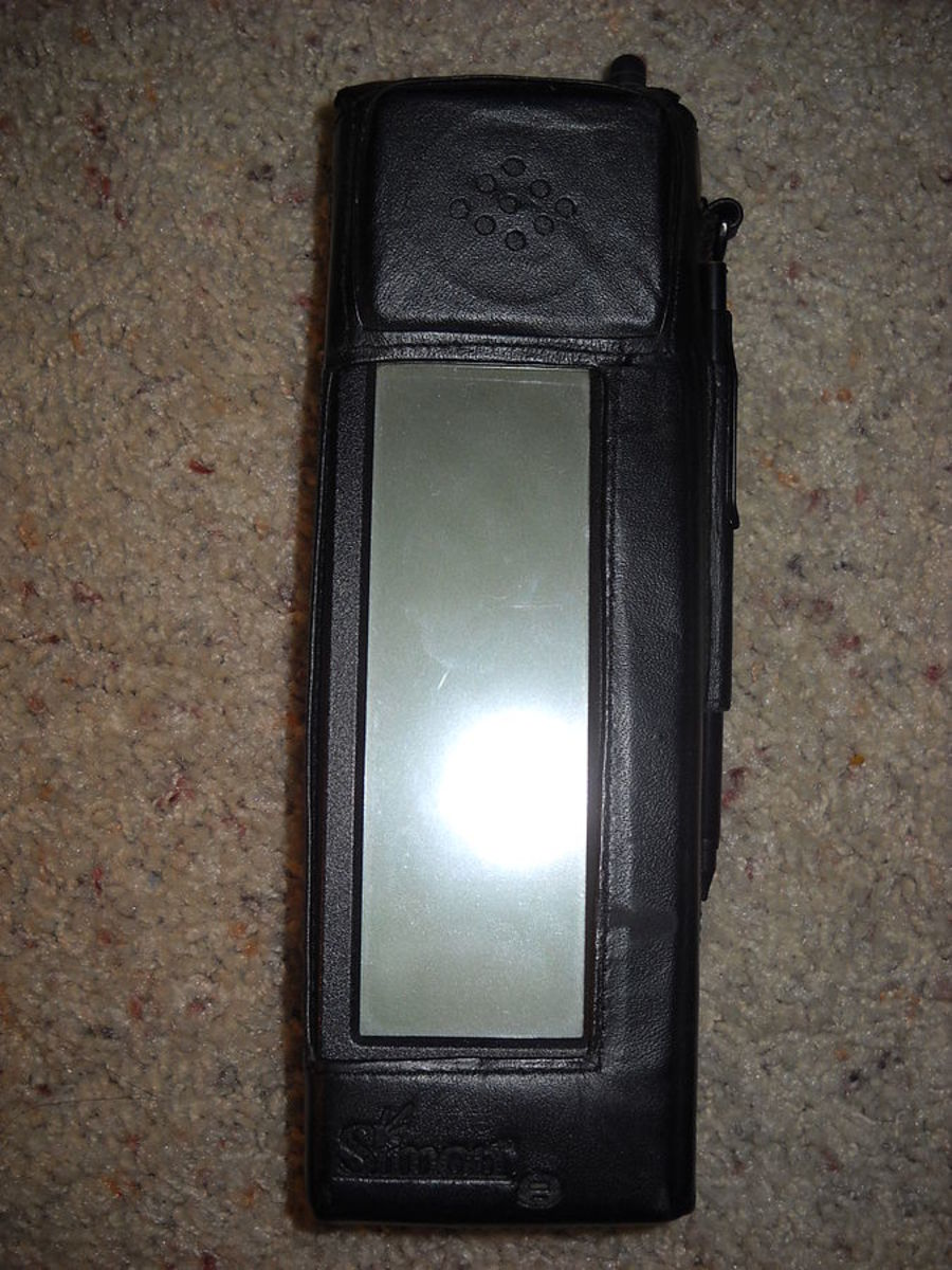 The first IBM smartphone, Simon, already had an email feature.
