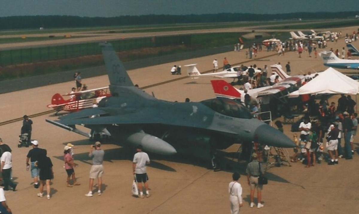 An F-16 at Dulles IAP