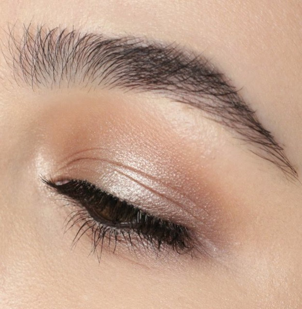 A Light Wash of Shimmery Eye Shadow is Perfect for Yoga Skin Makeup Looks