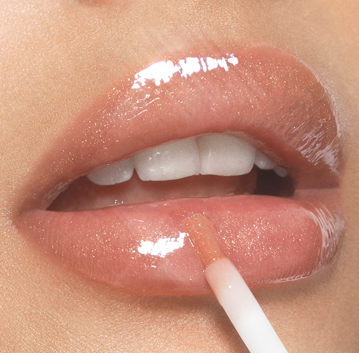 Transparent Peach Lip Gloss Completes Your Fresh & Natural Yoga Skin Makeup Look!