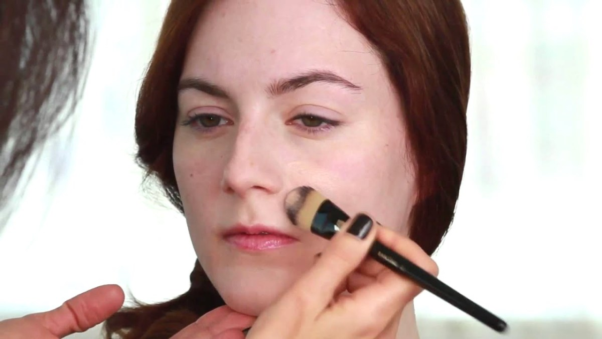 Apply Natural Looking Foundation for your Yoga Skin Makeup Look
