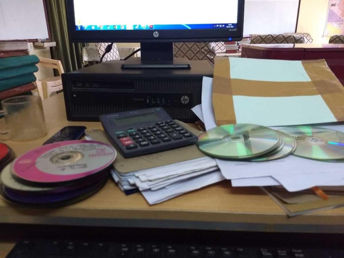 An unorganised table