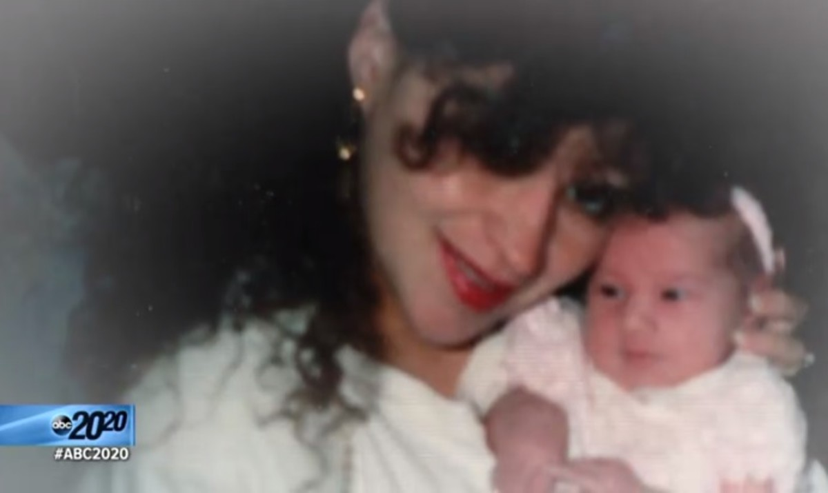 A young DeeDee Blanchard holds her baby, Gypsy Rose.