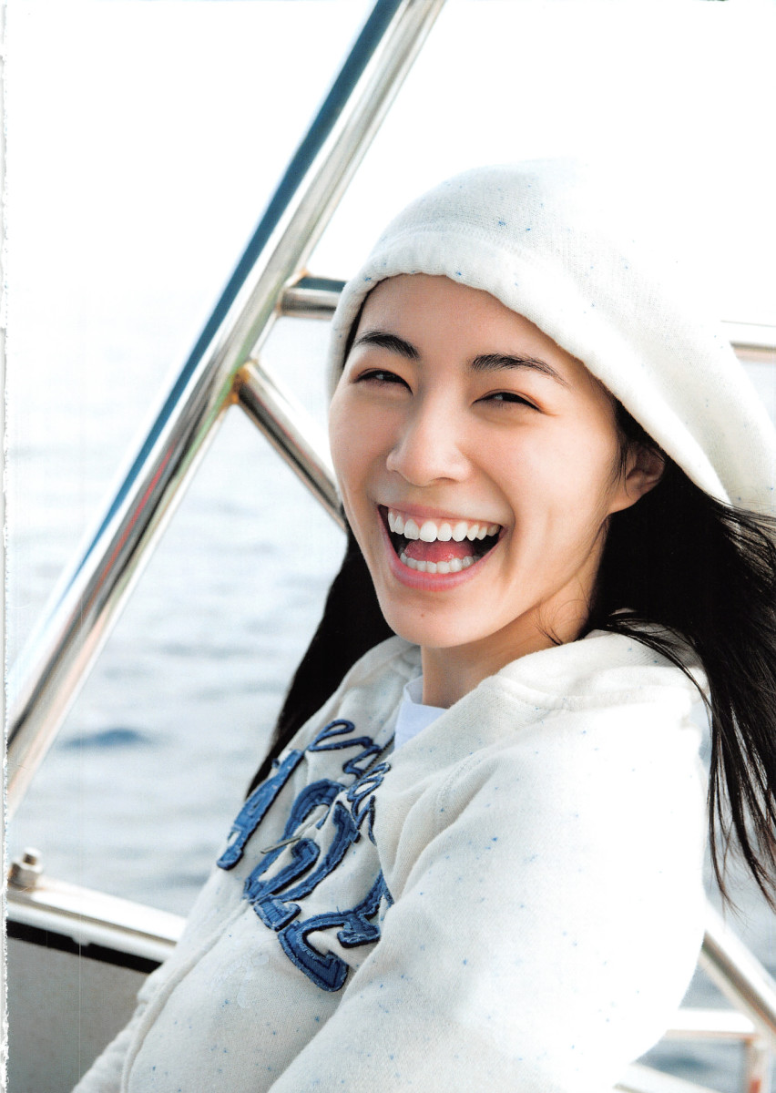 a-photo-gallery-of-pop-music-singer-jurina-matsui-from-her-first-photo-book-jurina