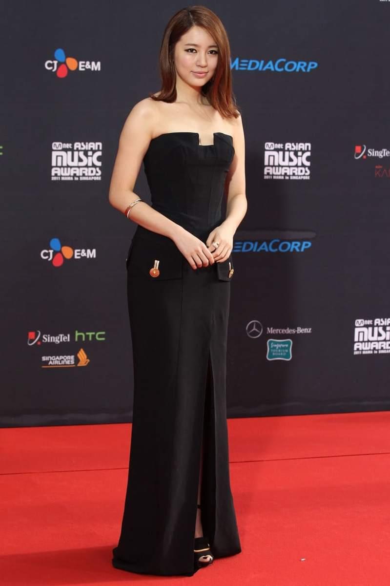 yoon-eun-hye-beautiful-south-korean-singer-actress-fashion-model