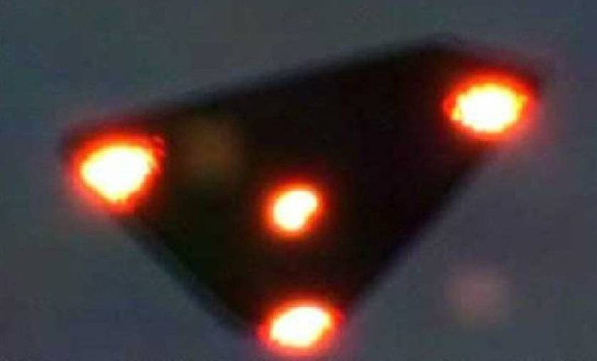Black Triangle UFO Might be Man-Made
