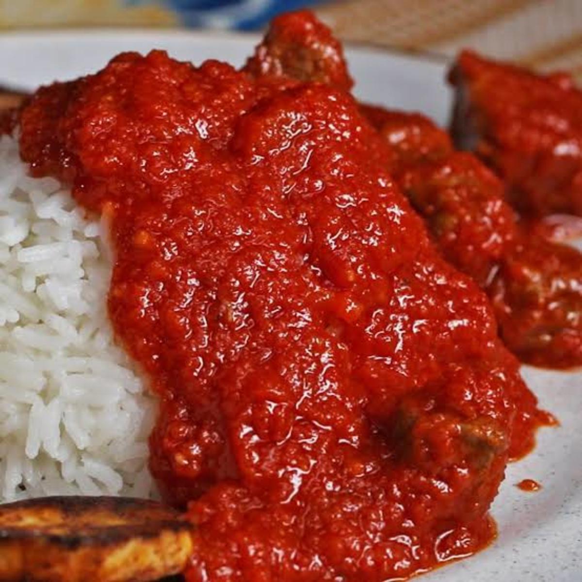 200 Naira stew with white rice