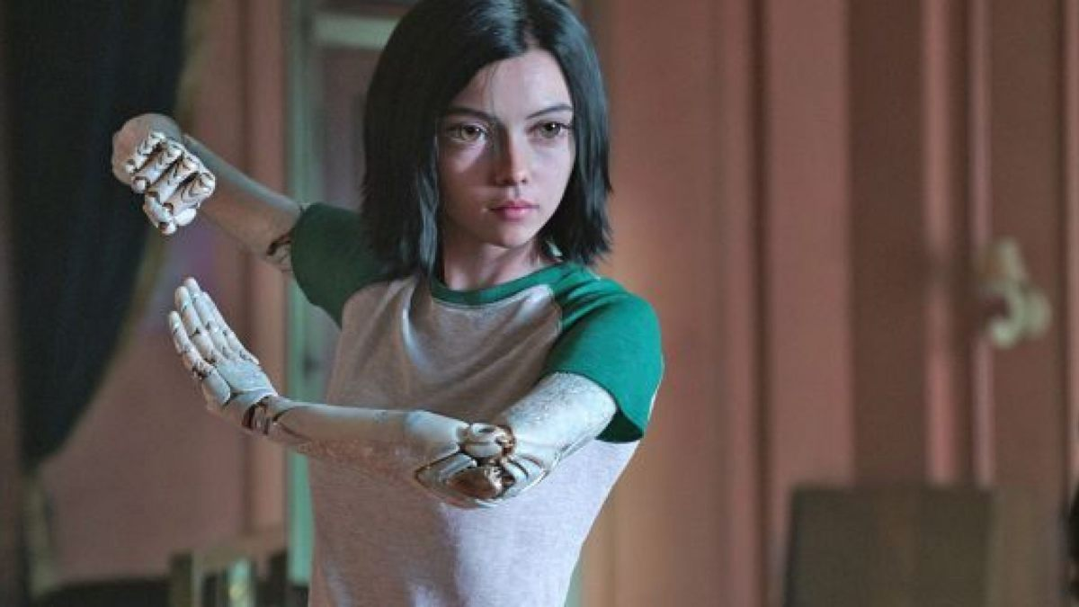 Alita practicing the lost martial art of Panzer Kunst.