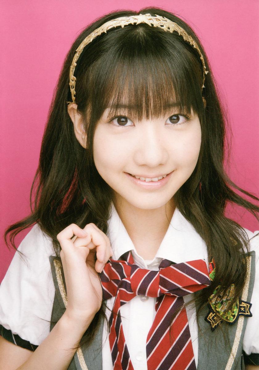 the-life-career-of-japanese-pop-music-singer-yuki-kashiwagi