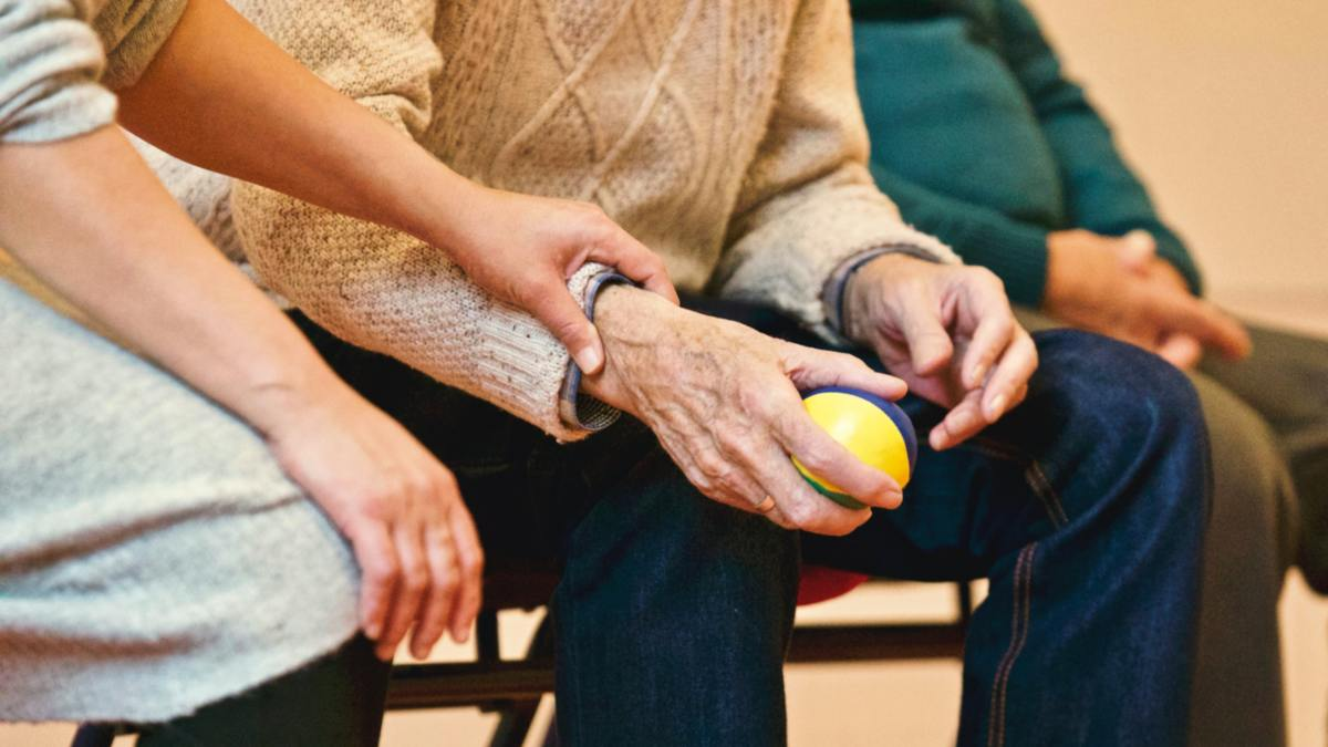 Tips to Take Care of Elderlies During Lockdown