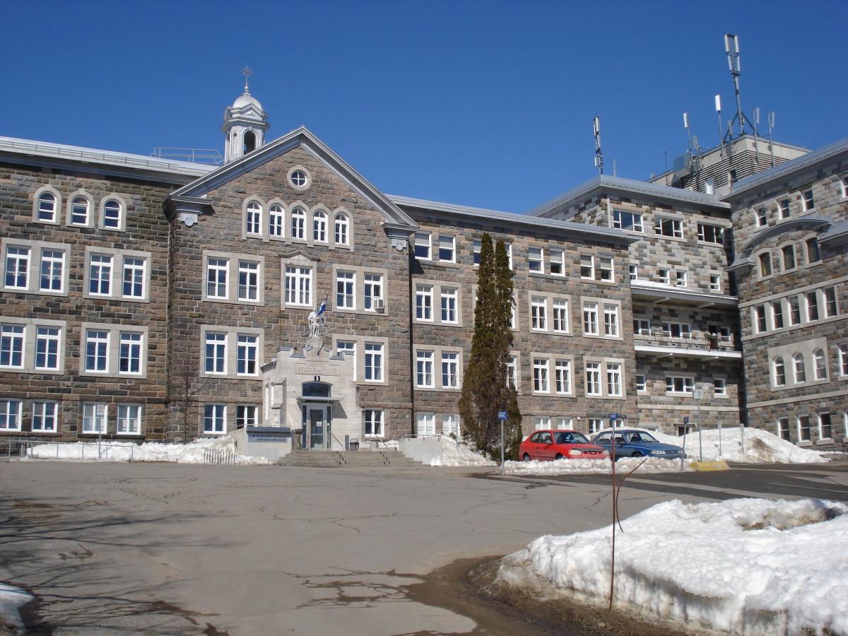 Pavillon Saint-Louis, Loretteville, Quebec City