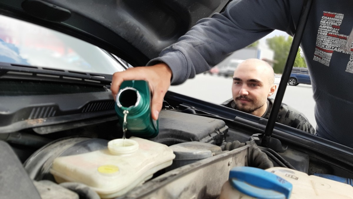 Automotive experts strongly advice car owners to change their car's engine oil every three months, or 3,000 miles.