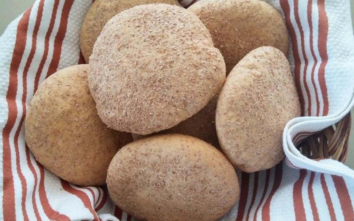 Goan Bread Poee or Poi