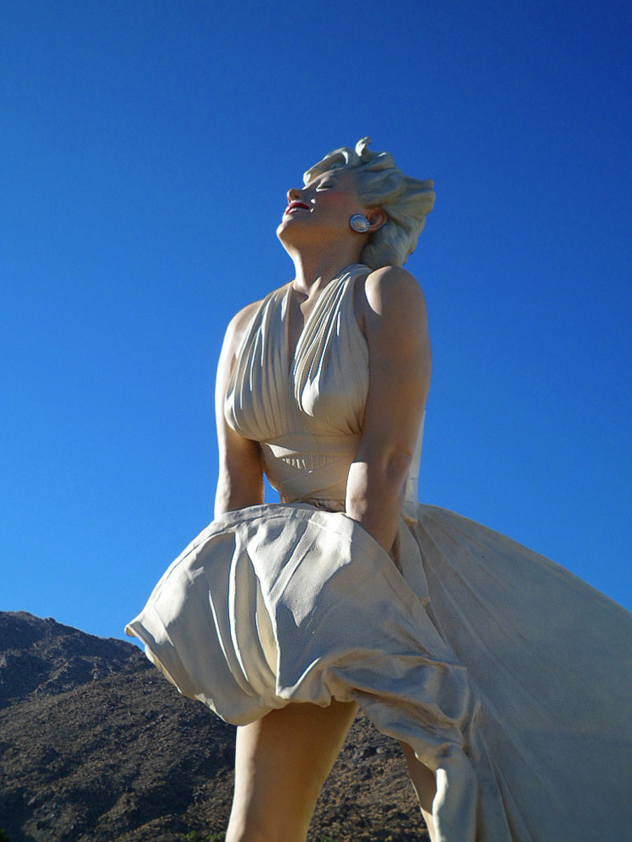 'Forever Marilyn' (by sculptor Steward Johnson) stood tall in Palm Springs, California in December 2012. The enormous statue of the movie legend - in her iconic pose - has been traveling the world since.