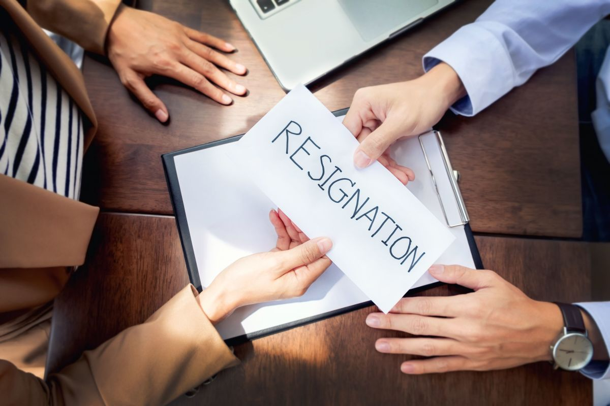 After working for a long time in an organization, many people find it difficult to draft a resignation letter to their immediate boss.