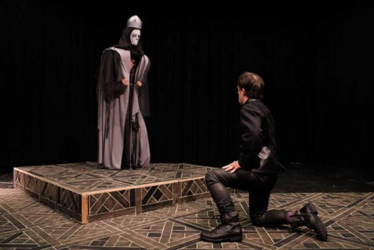 Hamlet Talks to The Ghost