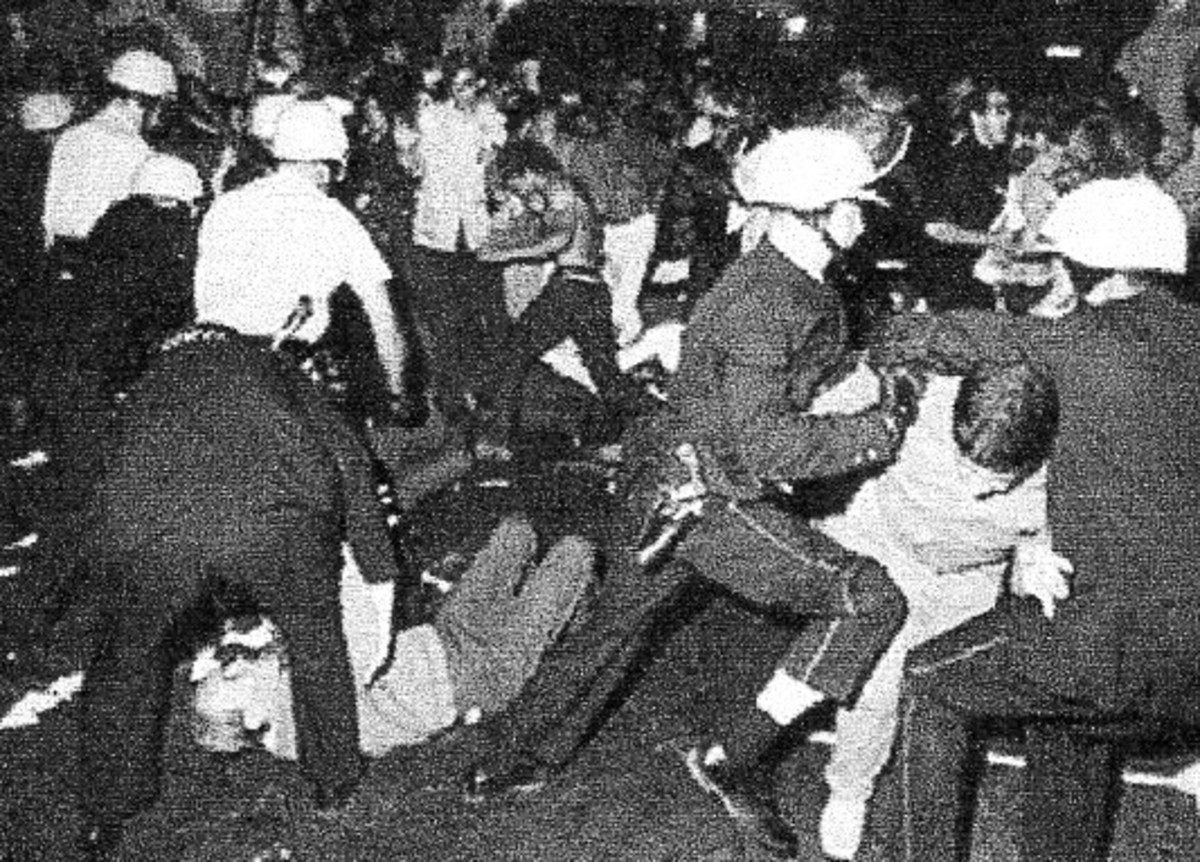 """1968 Nat.Dem.Conv.The mayor of Chicago was publicly rebuked for """"excessive"""" force. Organizers were charged with 'conspiracy to overthrow the govt.' and tried as the Chicago 7."""