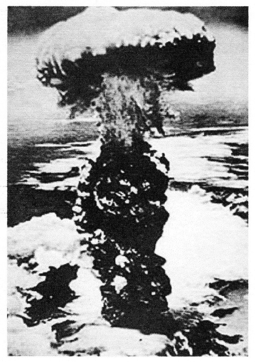 The success of the Manhattan Project and the use of the atomic bomb in Hiroshima and Nagasaki put an end to the Pacific war. Peace returned.