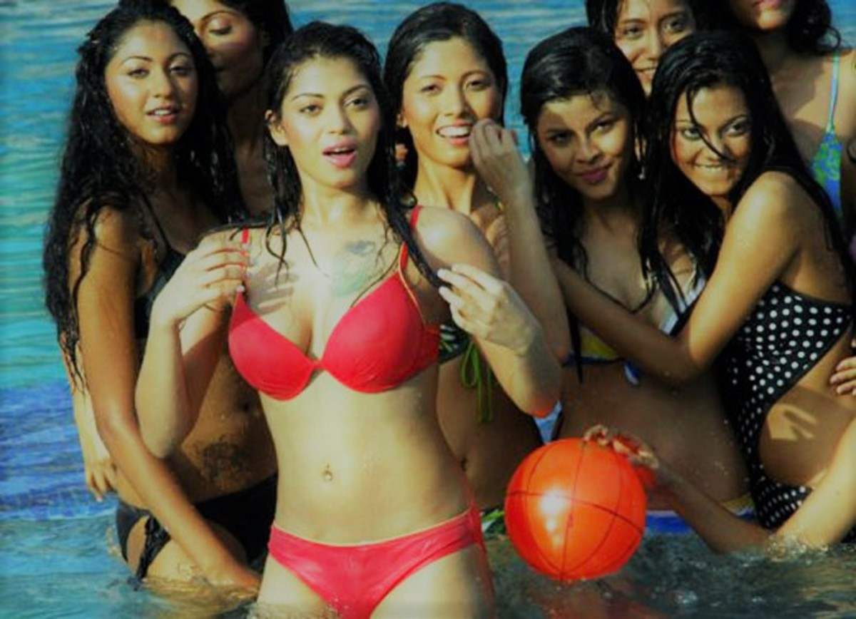 women-in-india-do-not-wear-bikini