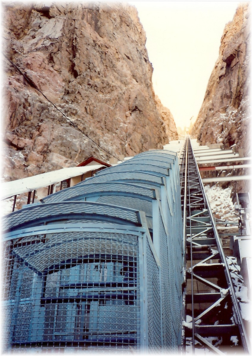 Steep 45 degree angle of the Incline Railway