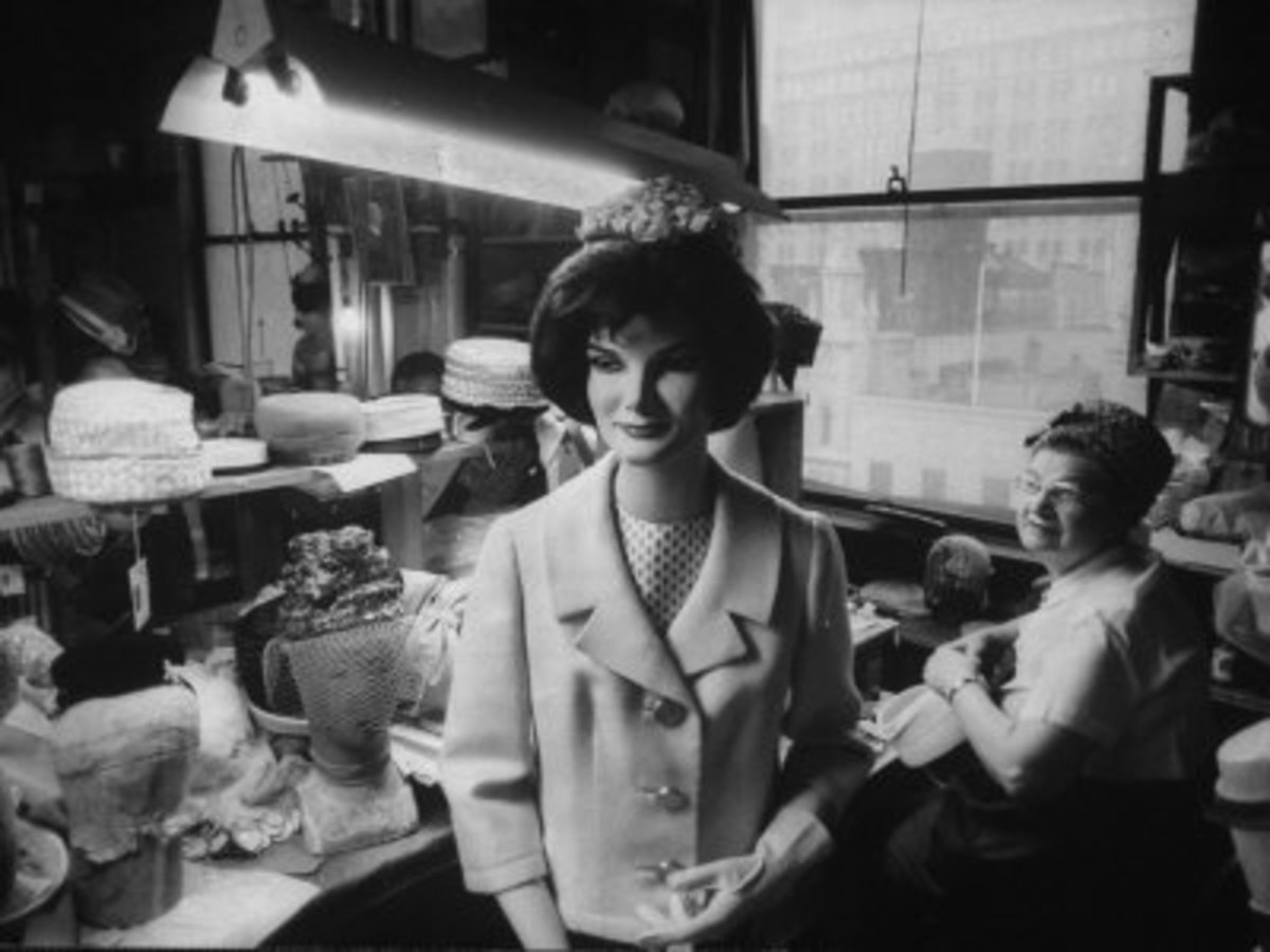 Mannequin of Jackie Kennedy - photo by Yale Joel courtesy of allposters.com