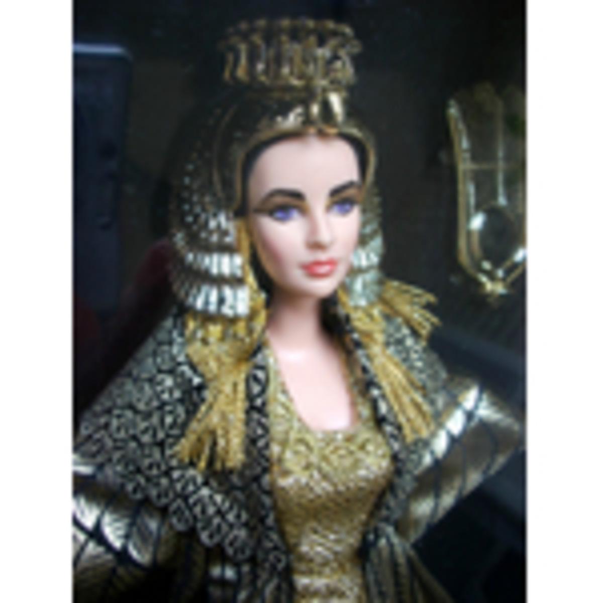 Barbie - Liz Taylor Cleopatra - photo courtesy of ioffer.com