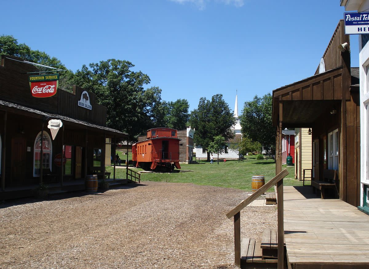 The village is a re-creation of an 1860s Scott County cross-roads settlement and is made up of 18 historic buildings