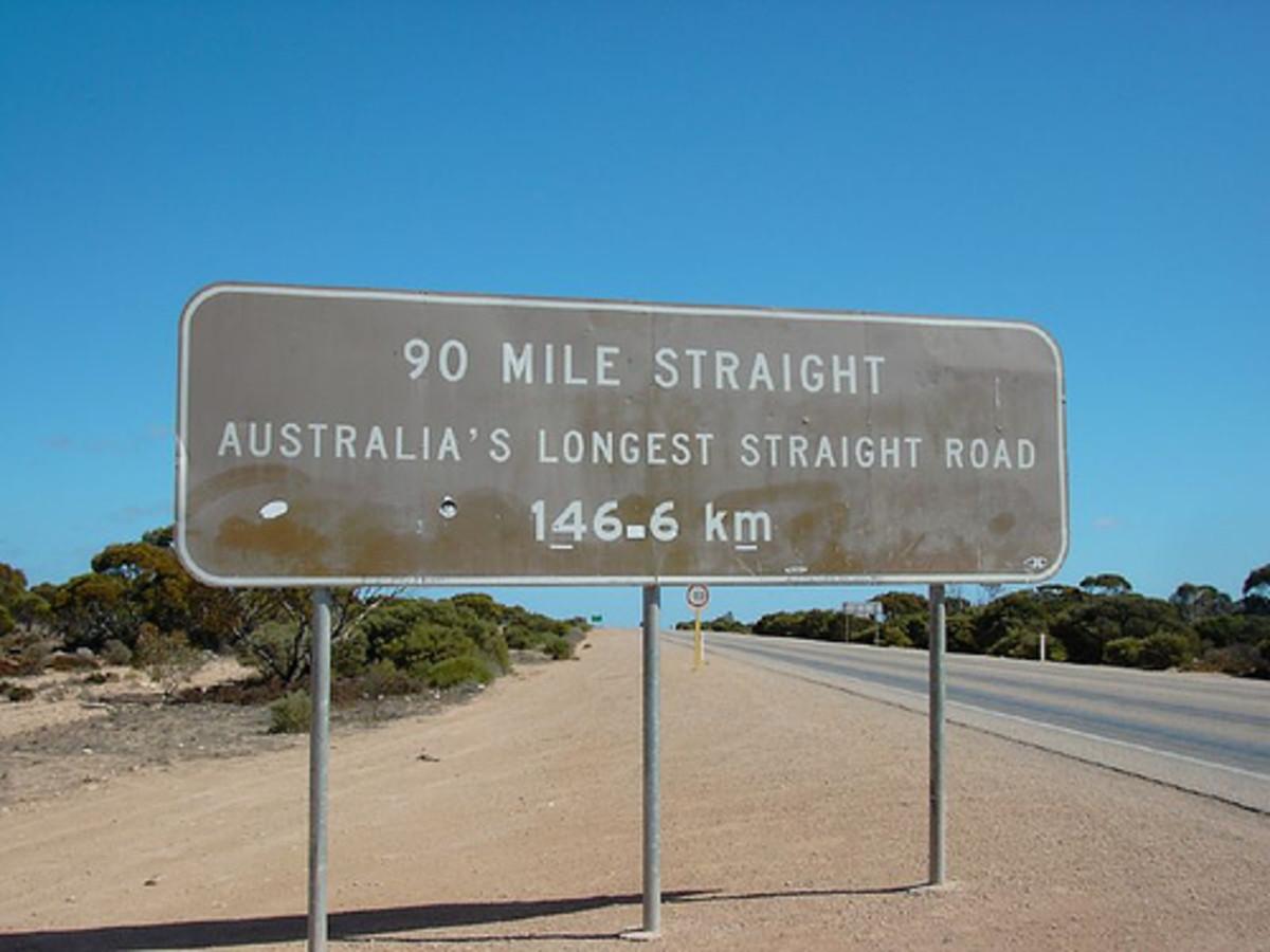 90 Mile Straight, Nullarbor Photo: Aleisso.zz via flickr