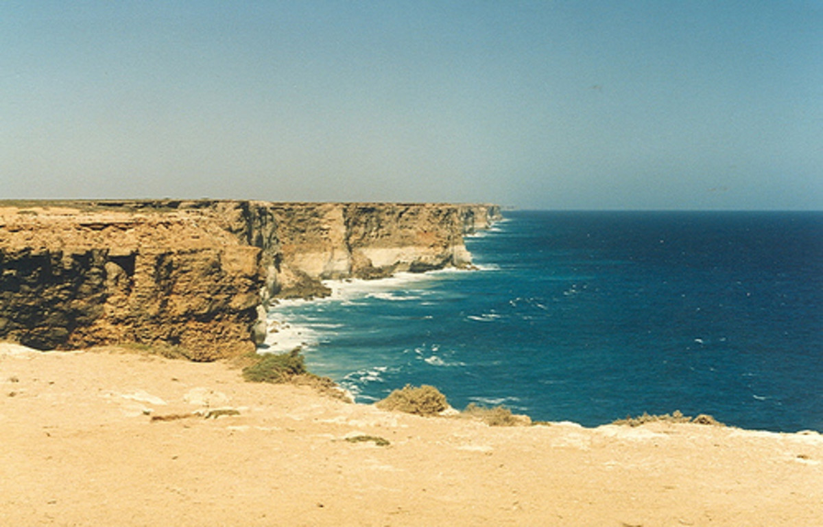 The Sea -at the eastern end of the Nullarbor Photo: Michael via flicr