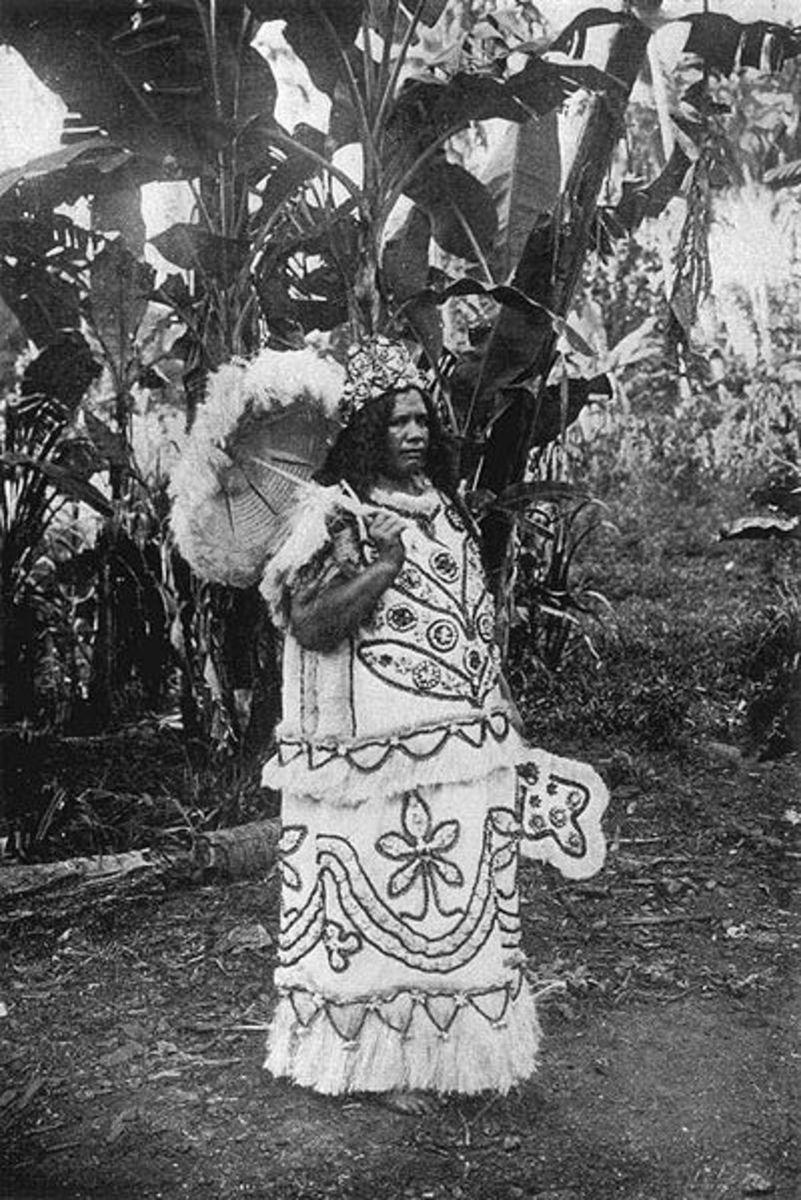 Marquesa Islands female chief in 1909.