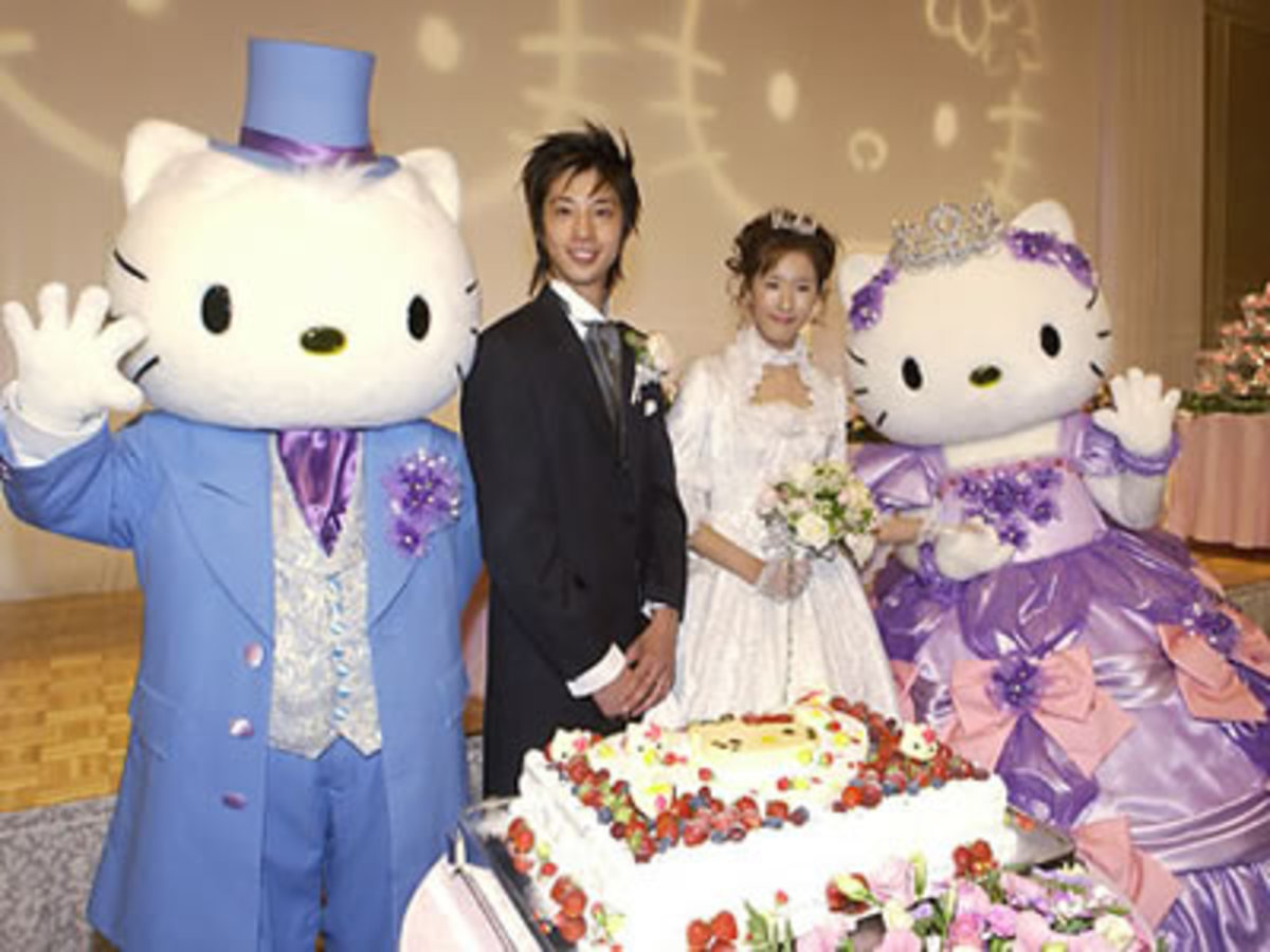 Hello Kitty Wedding: The tackiest wedding theme I've ever heard of.