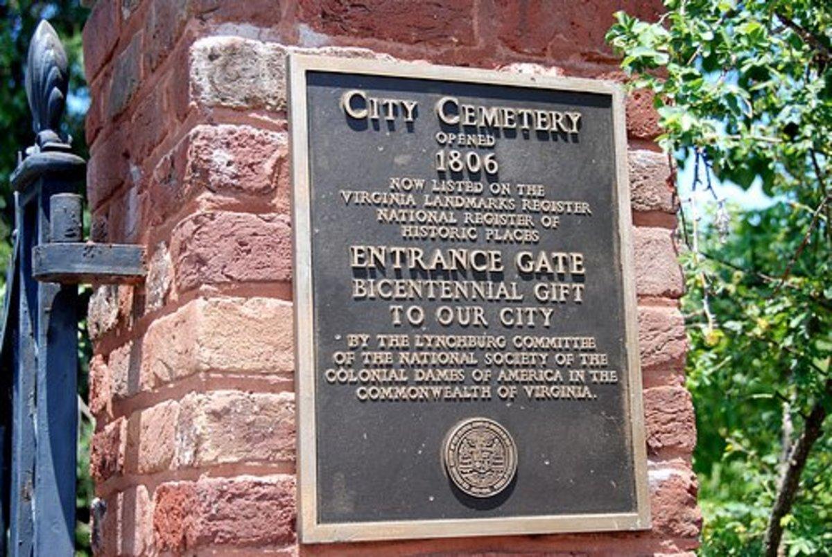 Plaque at entrance