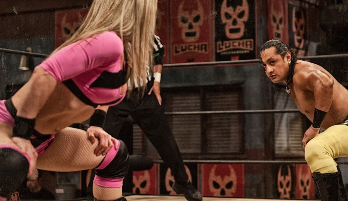 Sexy Star facing off against a male opponent, which is often the case in Lucha Underground.