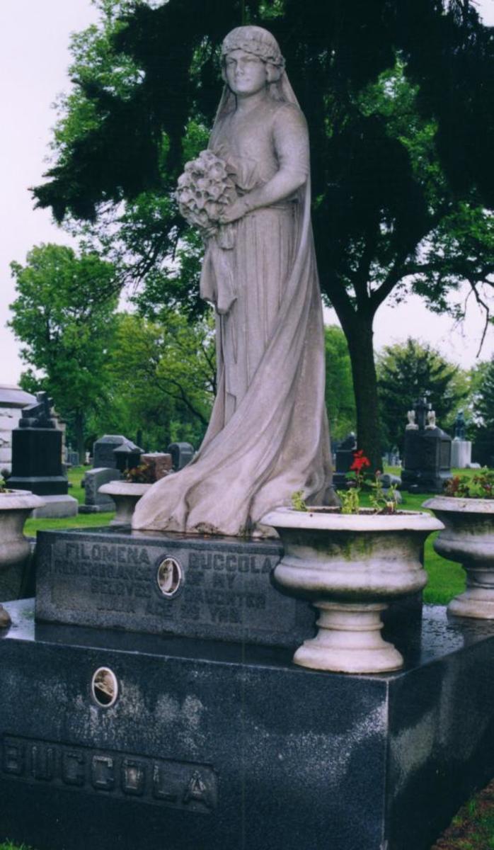 Julia Buccola Petta's grave
