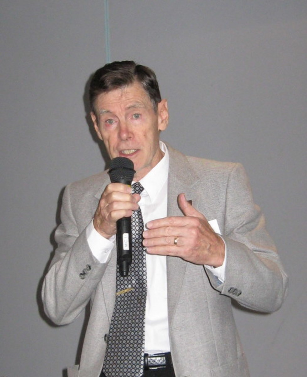 The author in 2010 addressing a Probus Club audience.